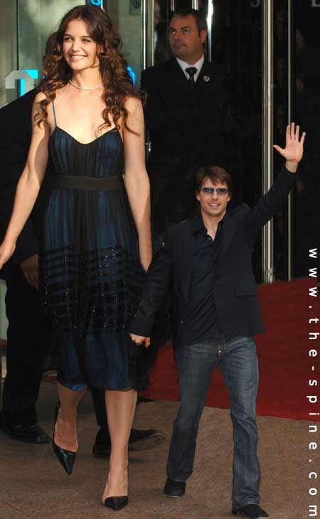 katie holmes and tom cruise height difference. over their height midget
