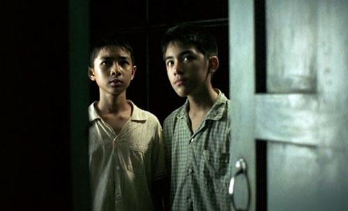 """PANTIP.COM : A11429987 """"เด็กหอ (2006)"""" ไม่เข้าใจตัวเองเลยว่าทำไมตอนไปดูรอบแรกถึงปล่อยผ่านเรื่องนี้ไปได้... [หนังไทย]"""