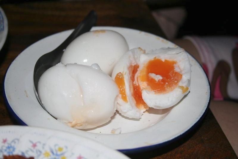 ไข่ต้ม  ร้านไก่เที่ยงคืน@เชียงใหม่